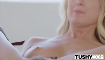 Stepmom Jennifer Best threesome session
